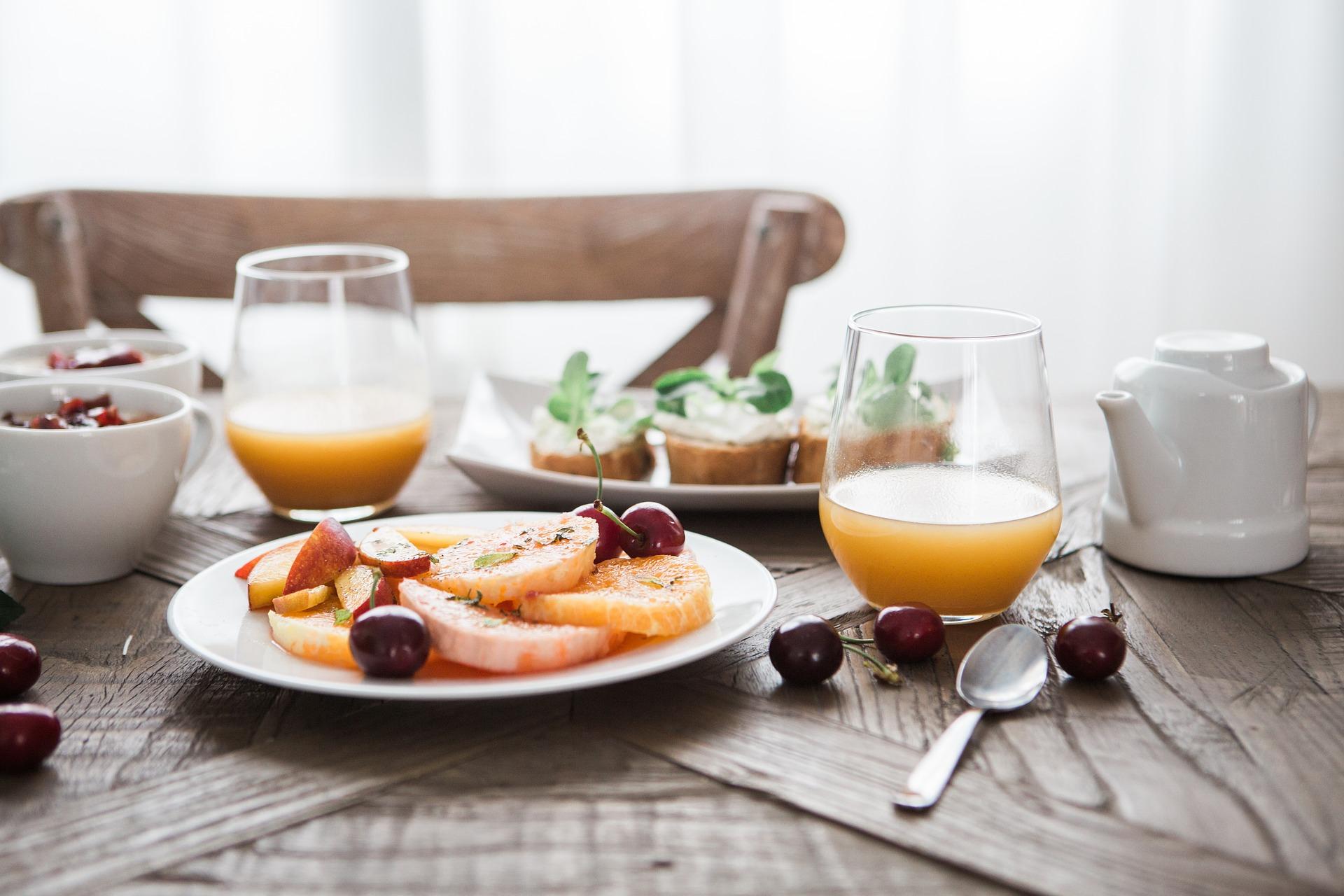 breakfast-1835478_1920